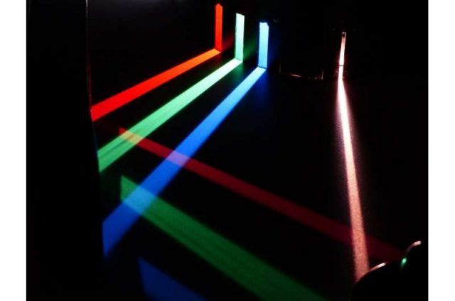 Researchers observe sound-light pulses in 2D materials for the first time